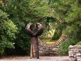 image: abstract concrete garden statues offer wider interpretation.